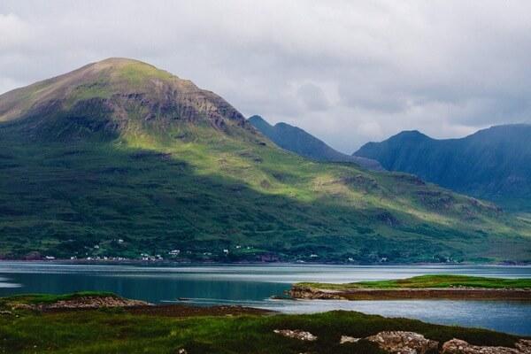Hồ Loch Ness sớm trở thành địa điểm được quan tâm của hàng triệu lượt khách thăm quan trên toàn thế giới.